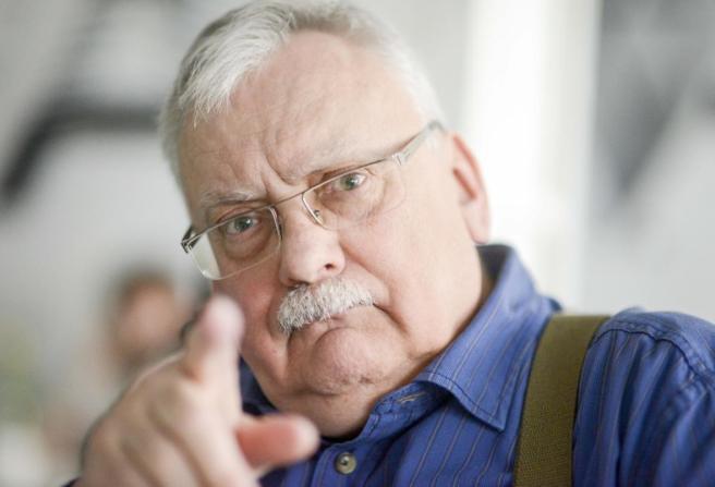 Andrzej-Sapkowski-moglby-domagac-sie-od-CD-Projektu-nawet-120-mln-zl_article.jpg